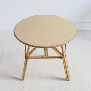 Image of Table d'appoint en rotin