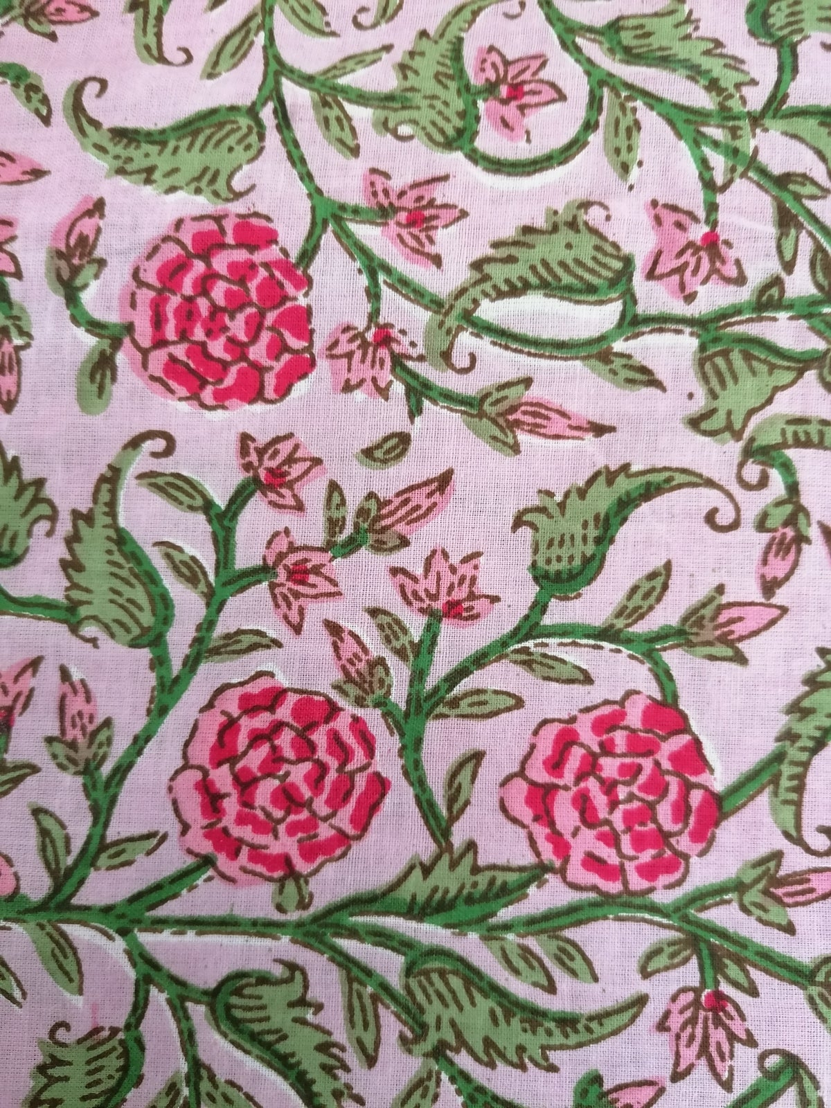 Image of Namasté fabric rosier fond rosé