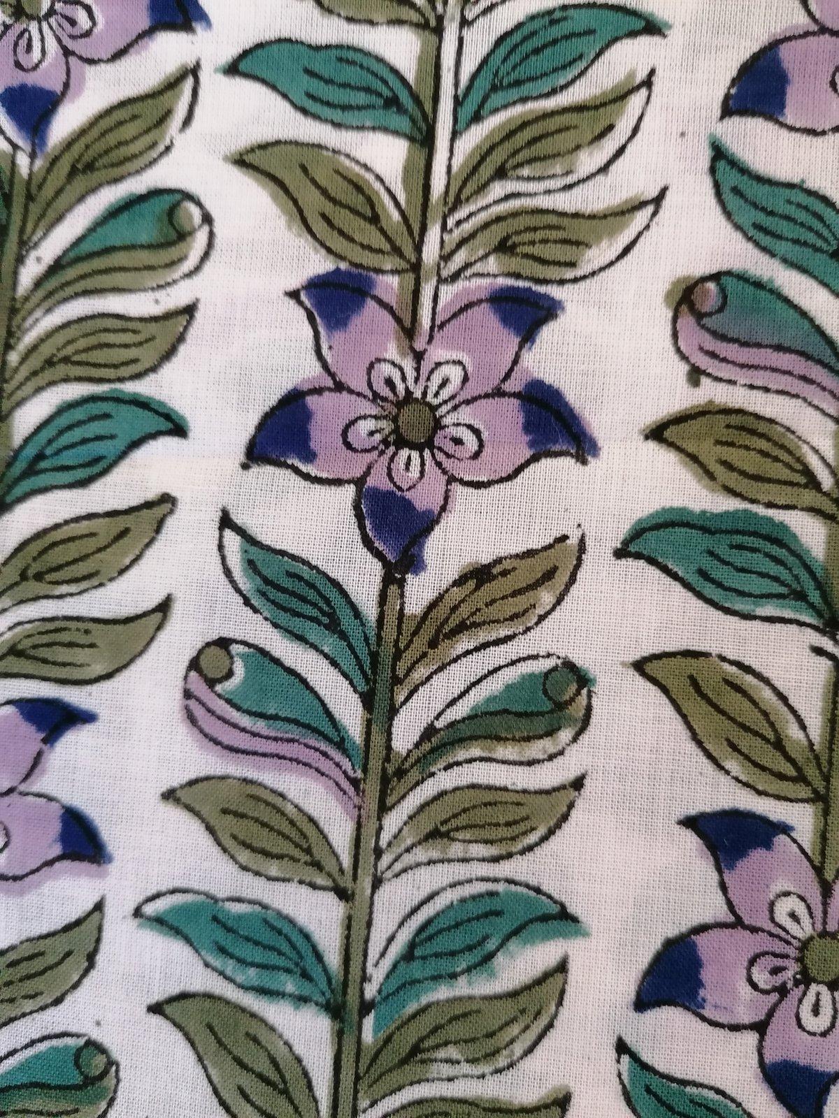 Image of Namasté fabric clématite fond blanc