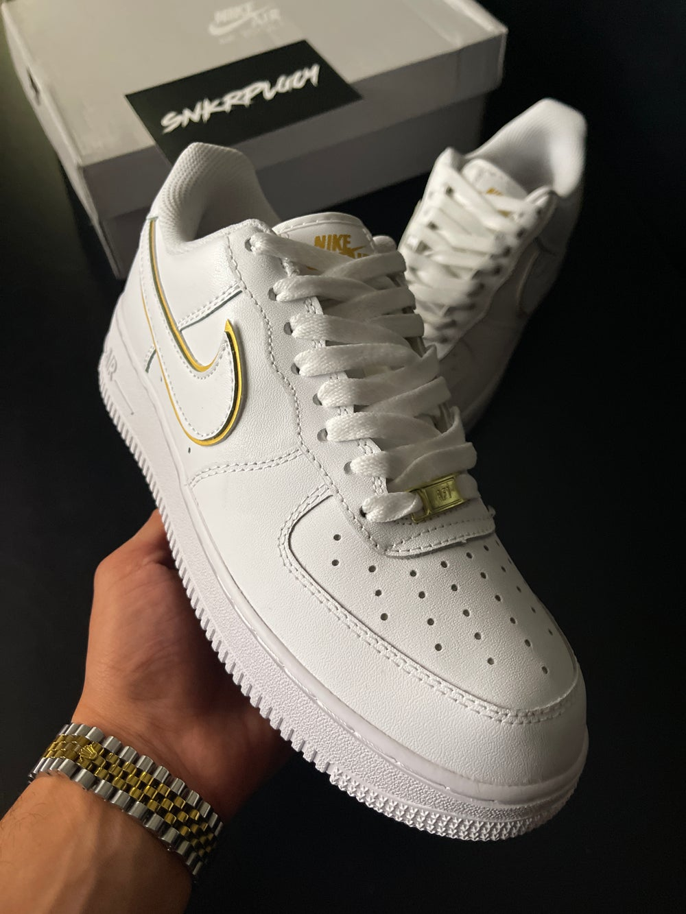 Nike Air Force 1 Low / White & Gold