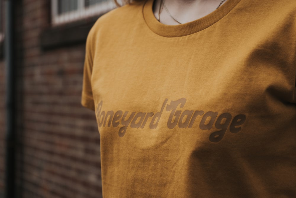 WOMENS STAY GOLD TEE