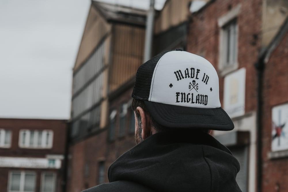 MADE IN ENGLAND LOGO TRUCKER HAT