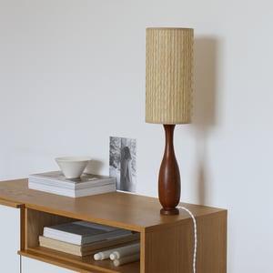 Image of Grande lampe en bois style scandinave