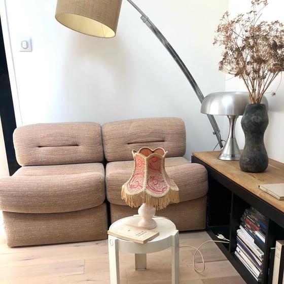 Image of Lampe marbre rose / abat-jour fleuri