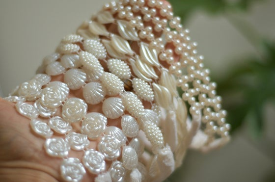 Image of Shells, pearls, roses and more