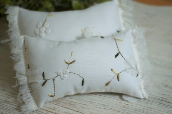 Image of Melanie pillow