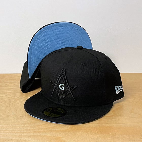 Image of Blackout with sky blue 59Fifty fitted