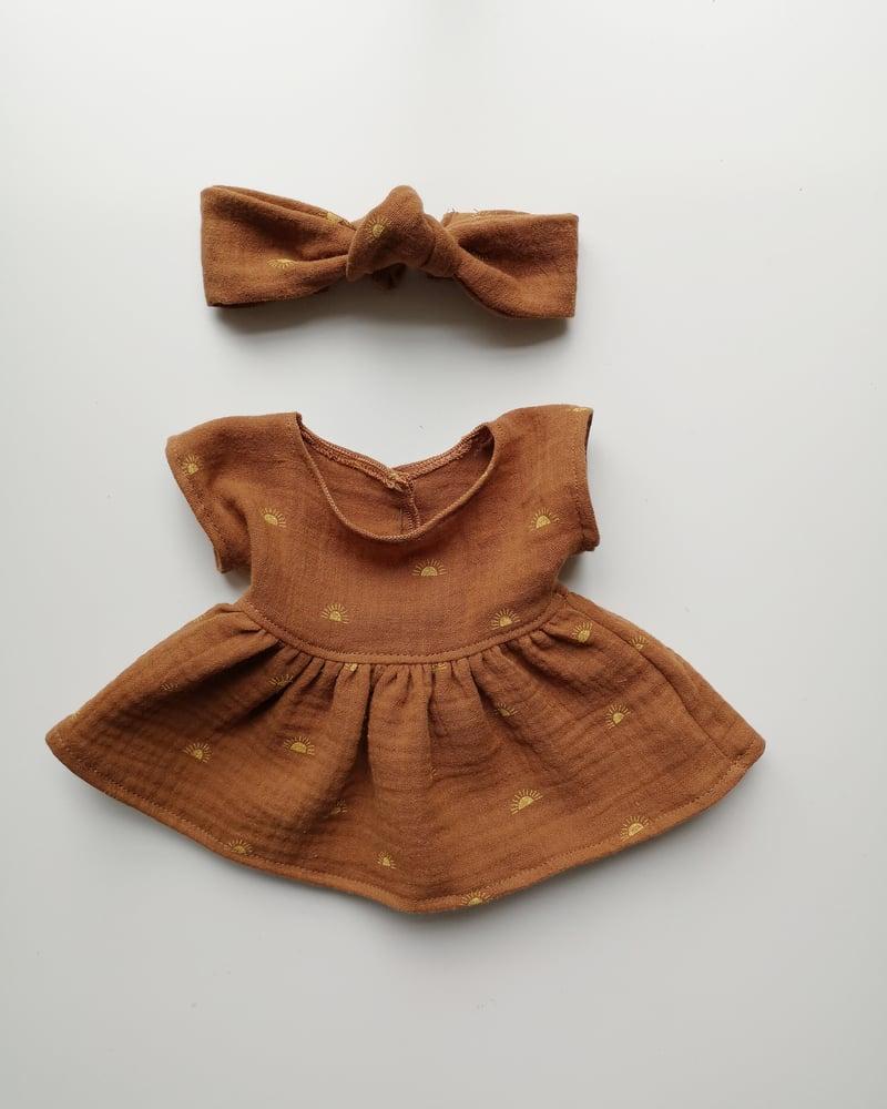 Image of Tenue robe caramel