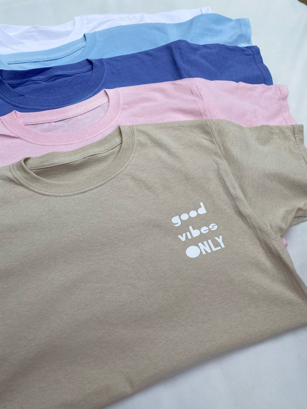 Image of White Oversized Good Vibes Only Tee