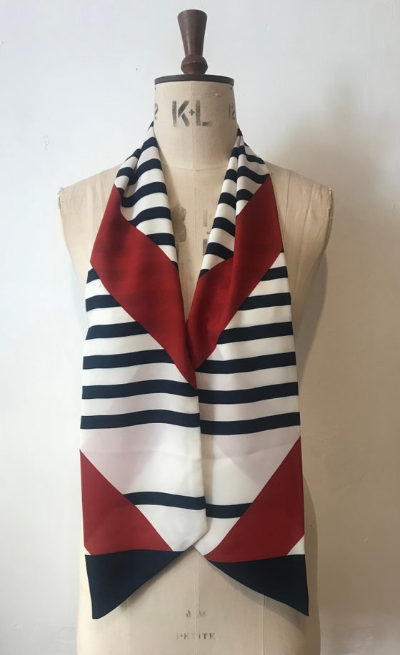 Image of Graphic neck tie
