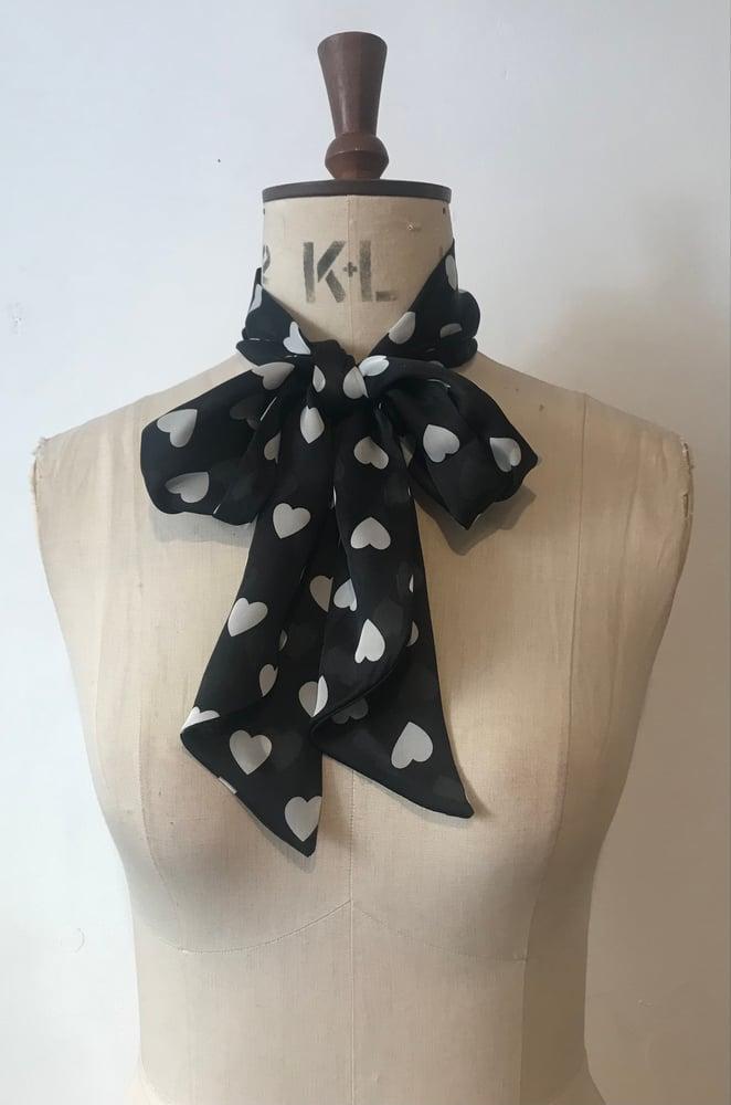 Image of Slinky neck tie