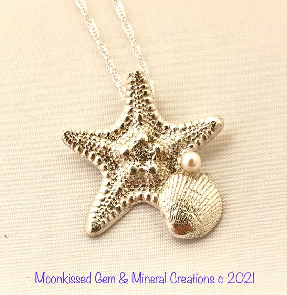 Image of Starfish and Friend Fine Silver Pendant with Pearl