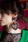 Collection Coeurs Sacrés -Paillettes d'or - Grandioses boucles d'oreilles brodées