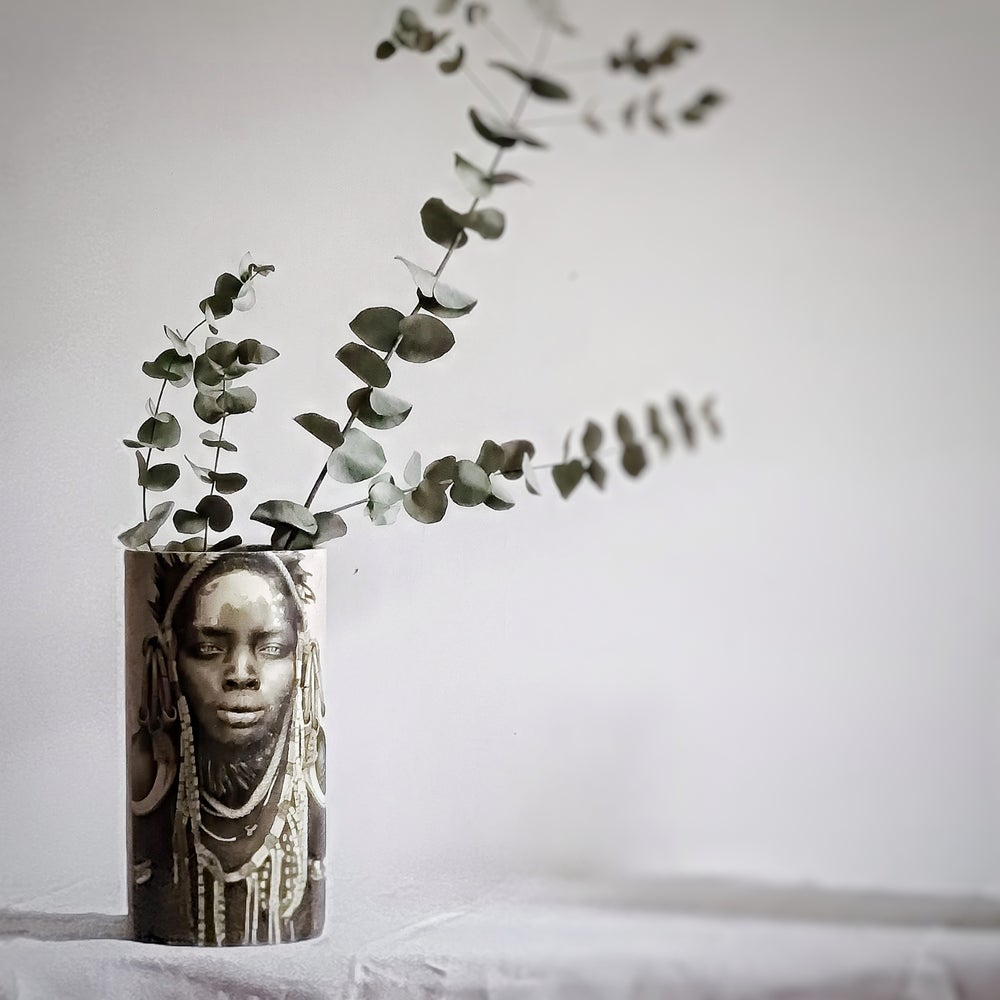 Vase en céramique visage ethnique L 30cm