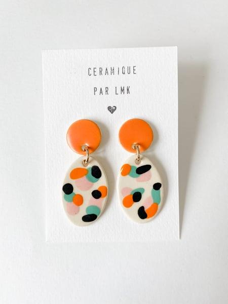 Image of Paire de boucles d'oreilles céramique TOTEM OVALA GM mandarine / rose / turquoise / noir