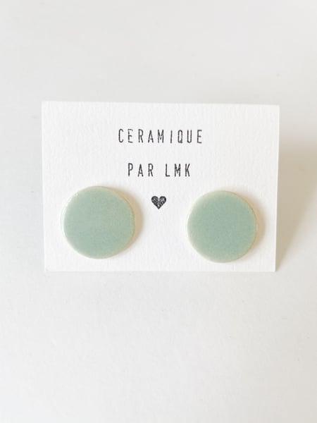 Image of Paire de boucles d'oreilles céramique puces XL céladon