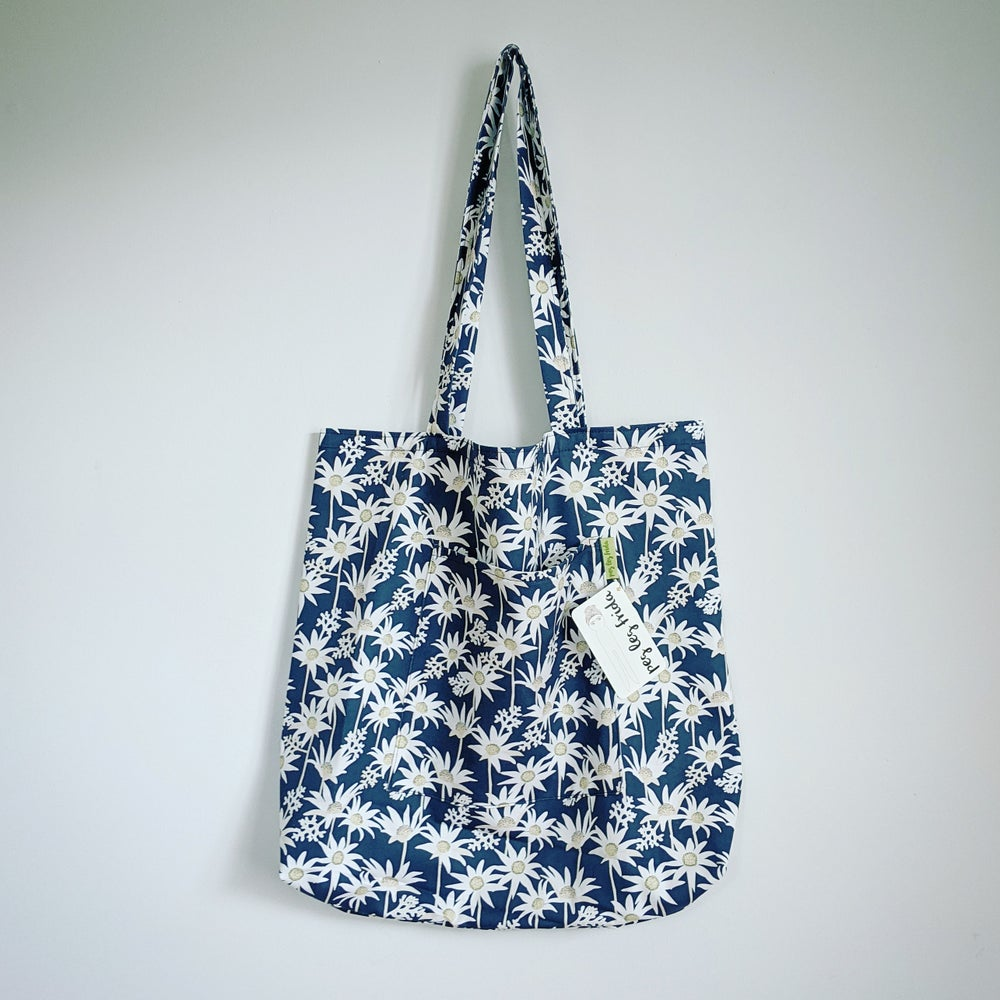 Image of Picnic Tote - Flannel Flower