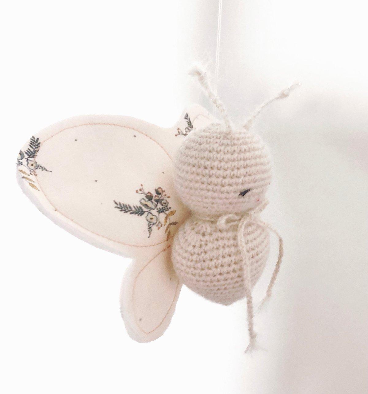 Image of Pollen Le Petit Papillon Ailes Fleurs et Fruits