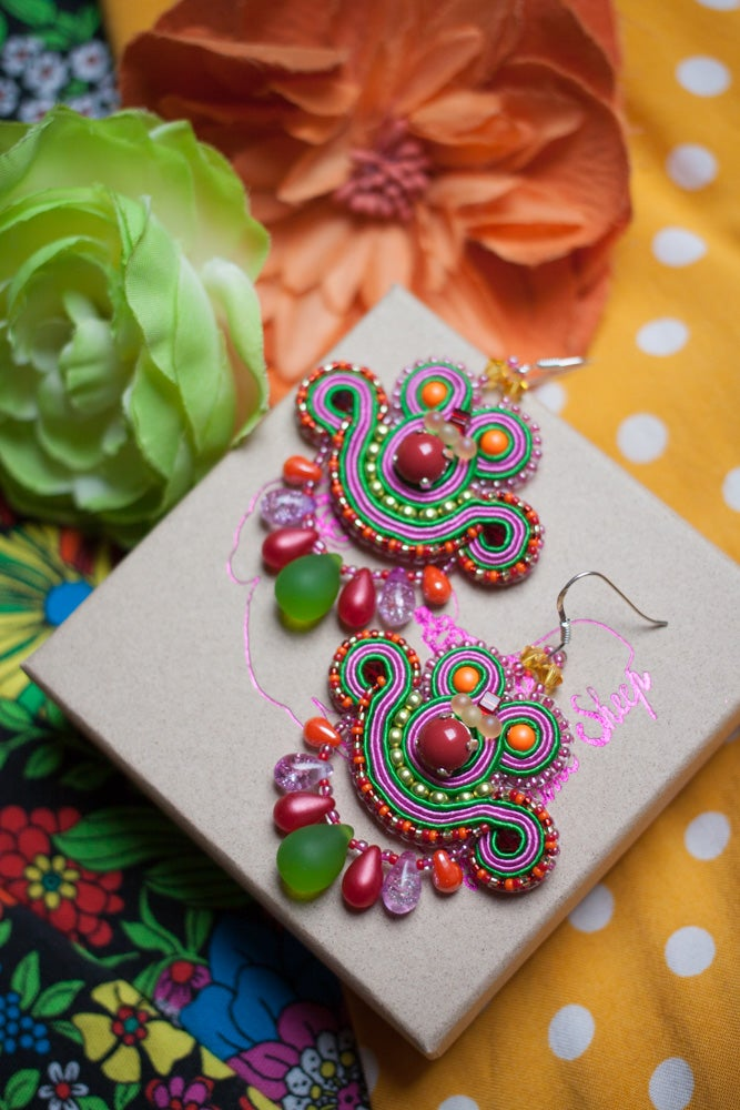 Image of Mini Earrings edition pearl - Rhum and Coca Cola - Petites boucles brodées