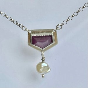 Image of Sapphire and Pearl necklace