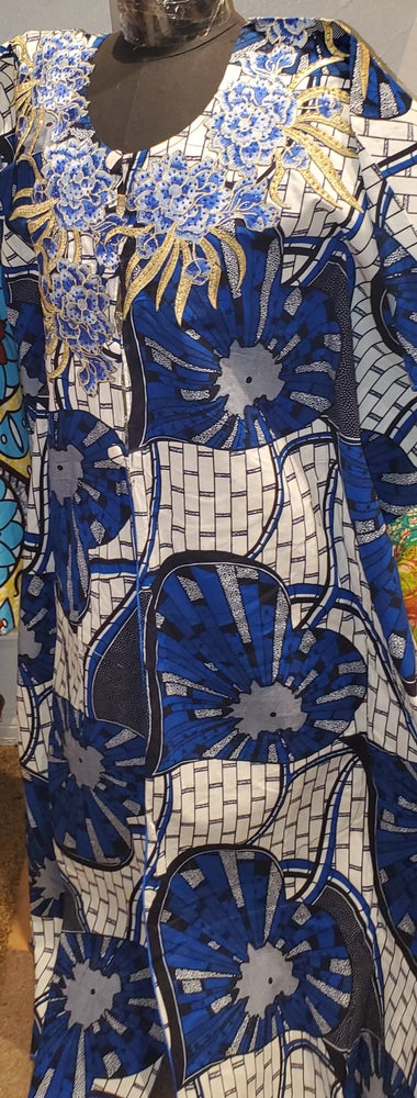 Image of Makeb open gown (blue and white)