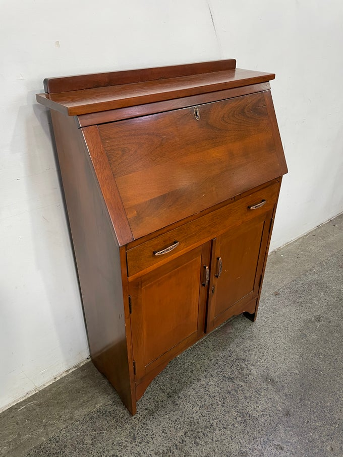 Image of 1930s WRITING BUREAU