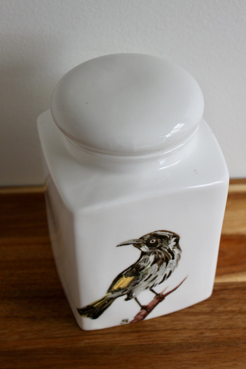New Holland Honeyeater Canister