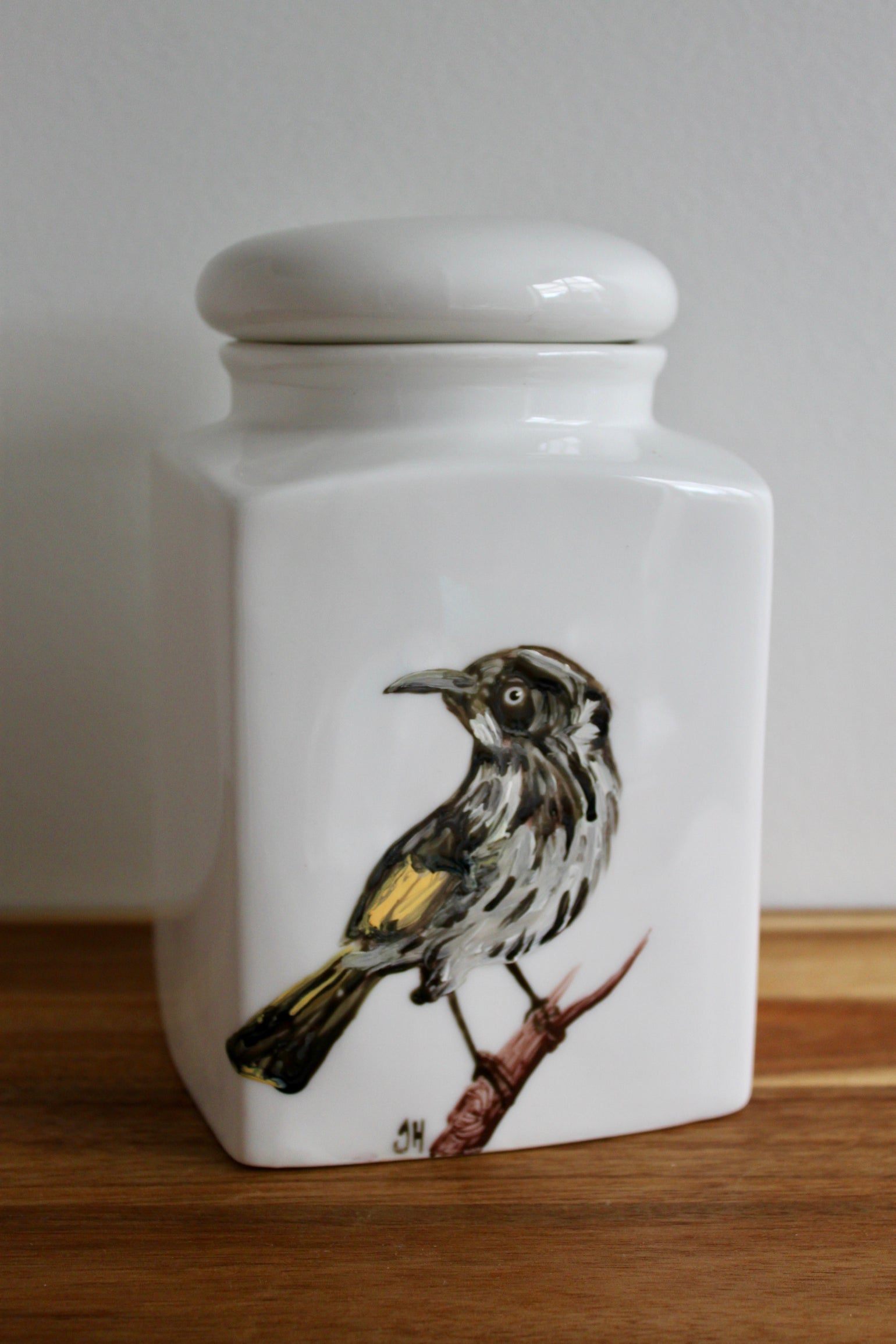 Image of New Holland Honeyeater Canister