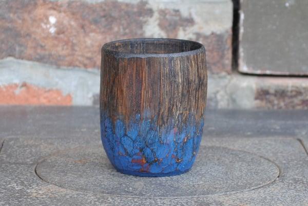 Image of ebonised oak whisky cup / tasse à whisky ébonisée