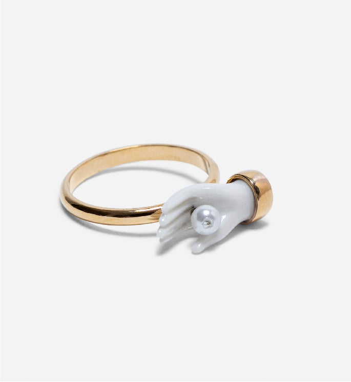 Mini Hand Pearl Ring