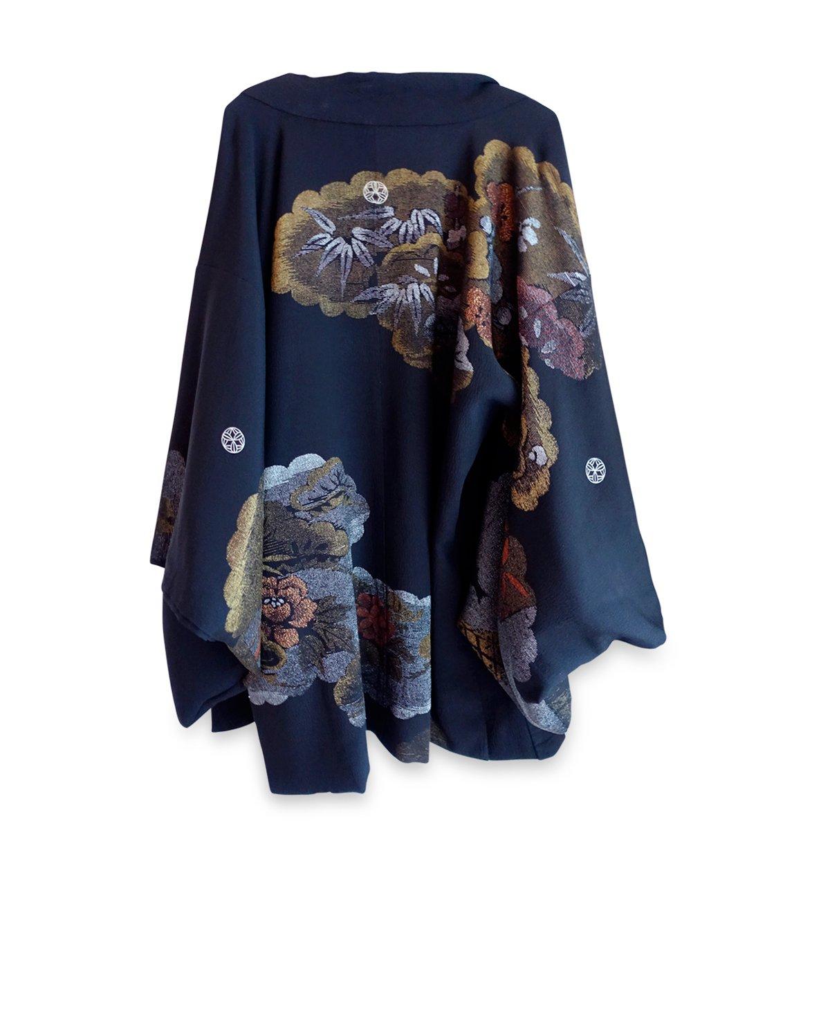 Image of Sort kort kimono med metalisk blomsterflor