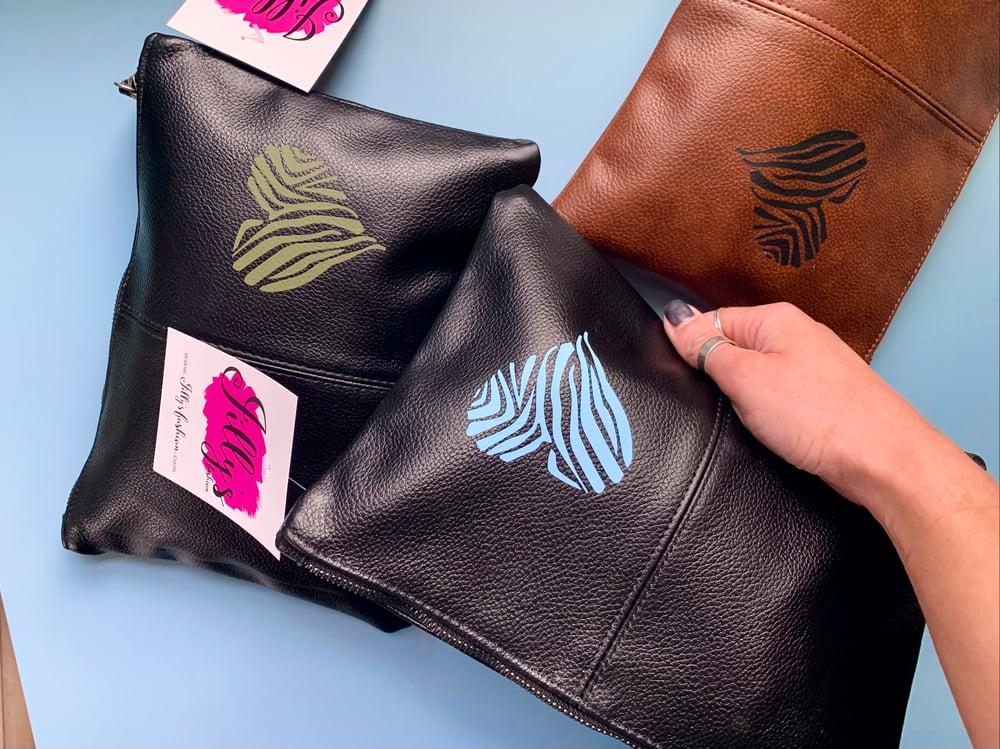 Jilly's clutch bag - Havanaa heart