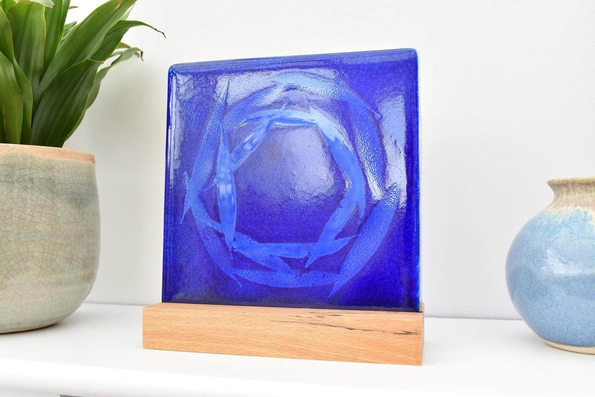 Image of Cobalt Blue Willow Circle Glass Panel