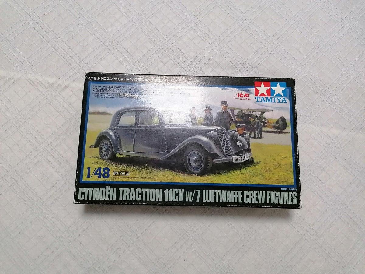 Image of TAMIYA 1/48 CITROEN TRACTION 11CV W/7 LUFTWAFFE CREW FIGURES 89731 LIMITED EDITION
