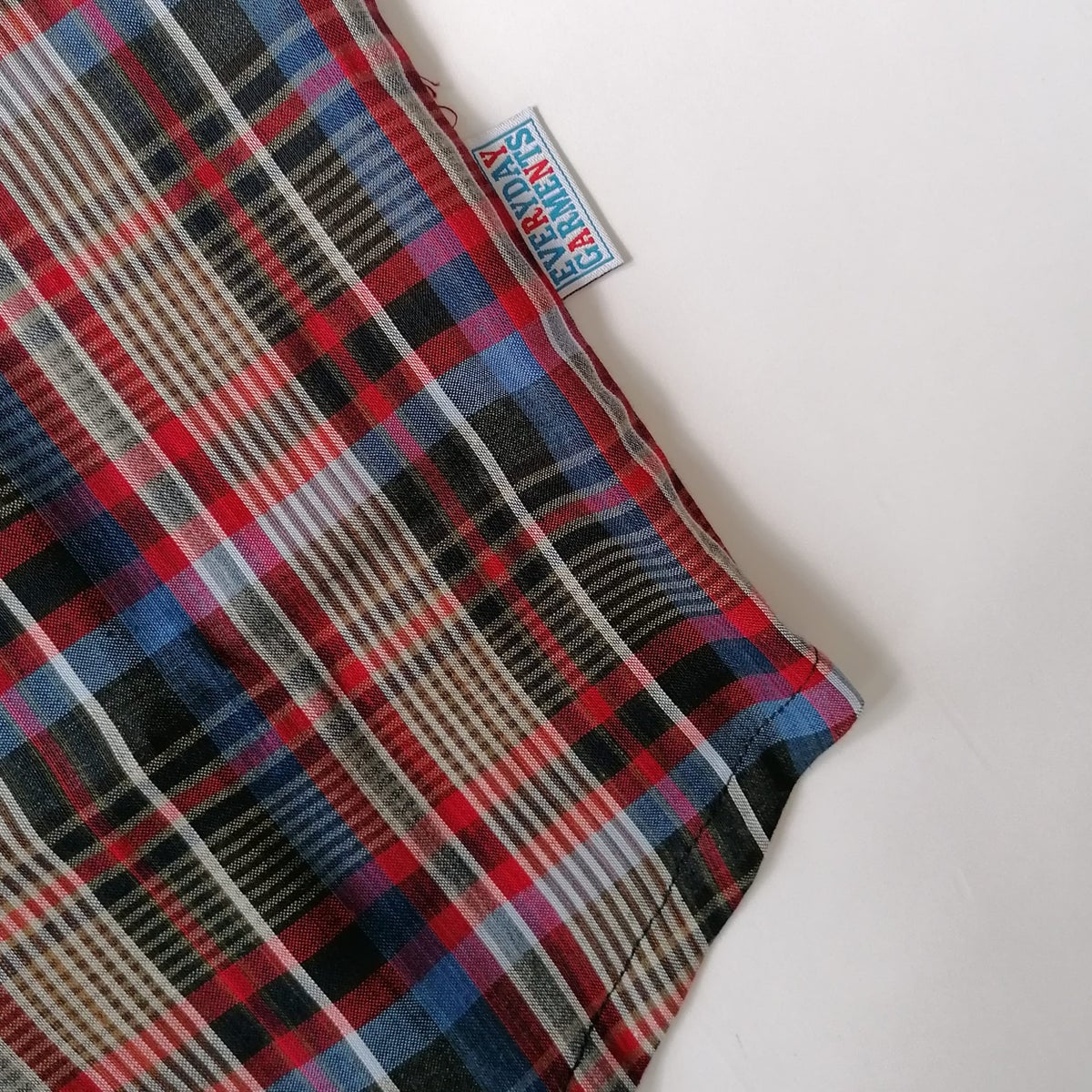 Image of EVERYDAY GARMENTS POPOVER CHECK SHIRTS..