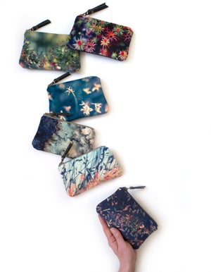 Image of Starry moss, velvet zipper purse