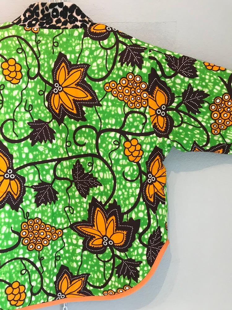 Image of ASFALT kids jakke i grøn med brune blade (1-8 år)