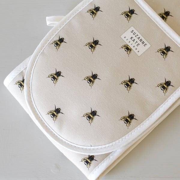 Image of Bee print double oven glove