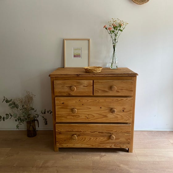 Image of Commode #514