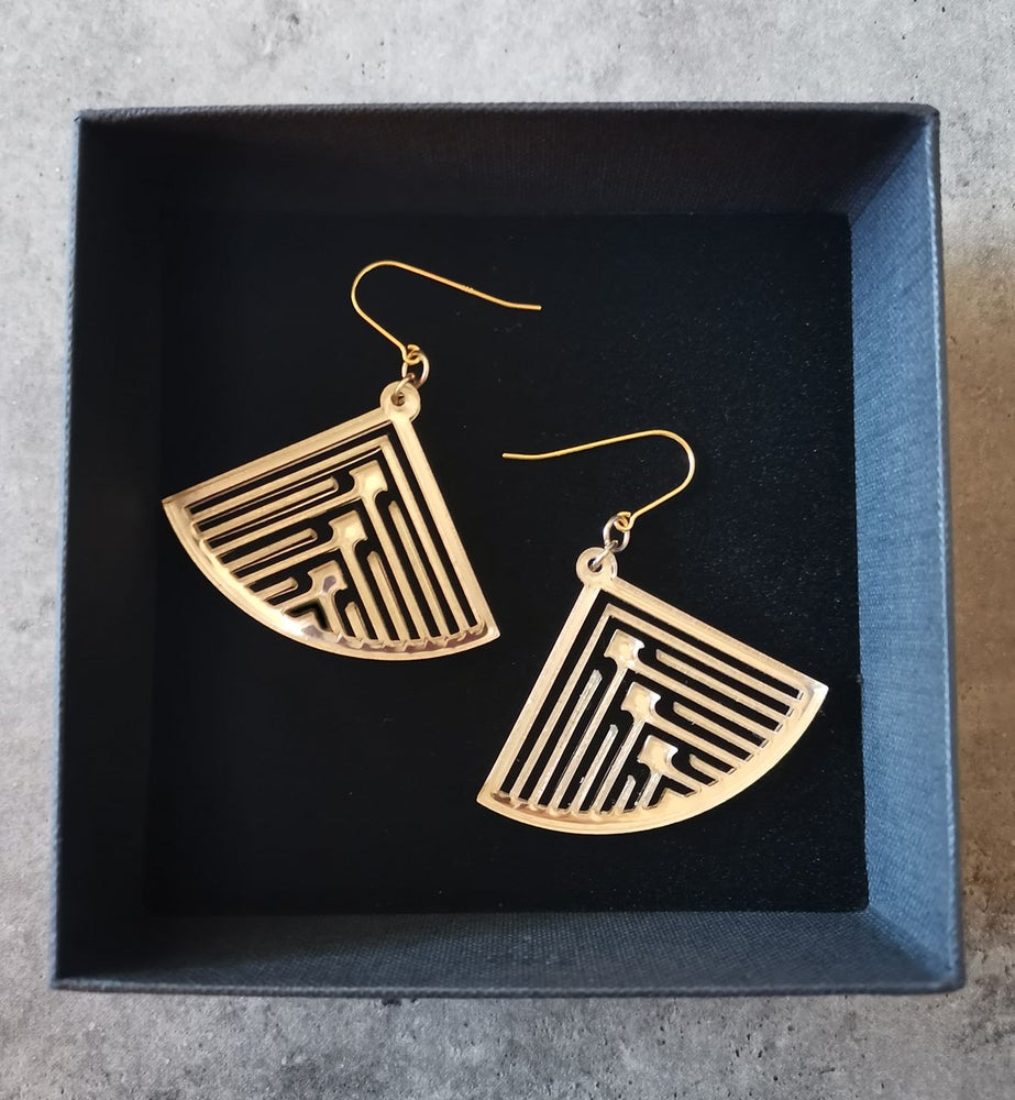 Image of Fantail in Gold