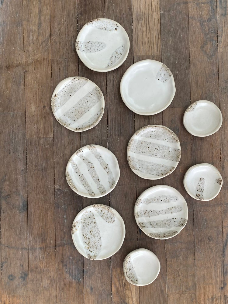 Image of Saucers & spices dishes