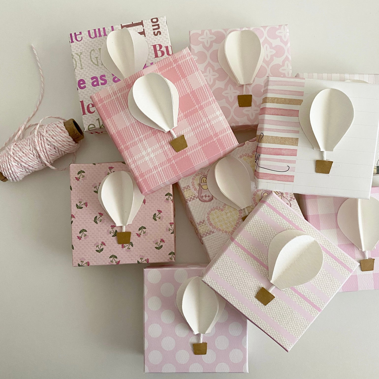 Image of Scatoline portaconfetti - mongolfiera baby girl