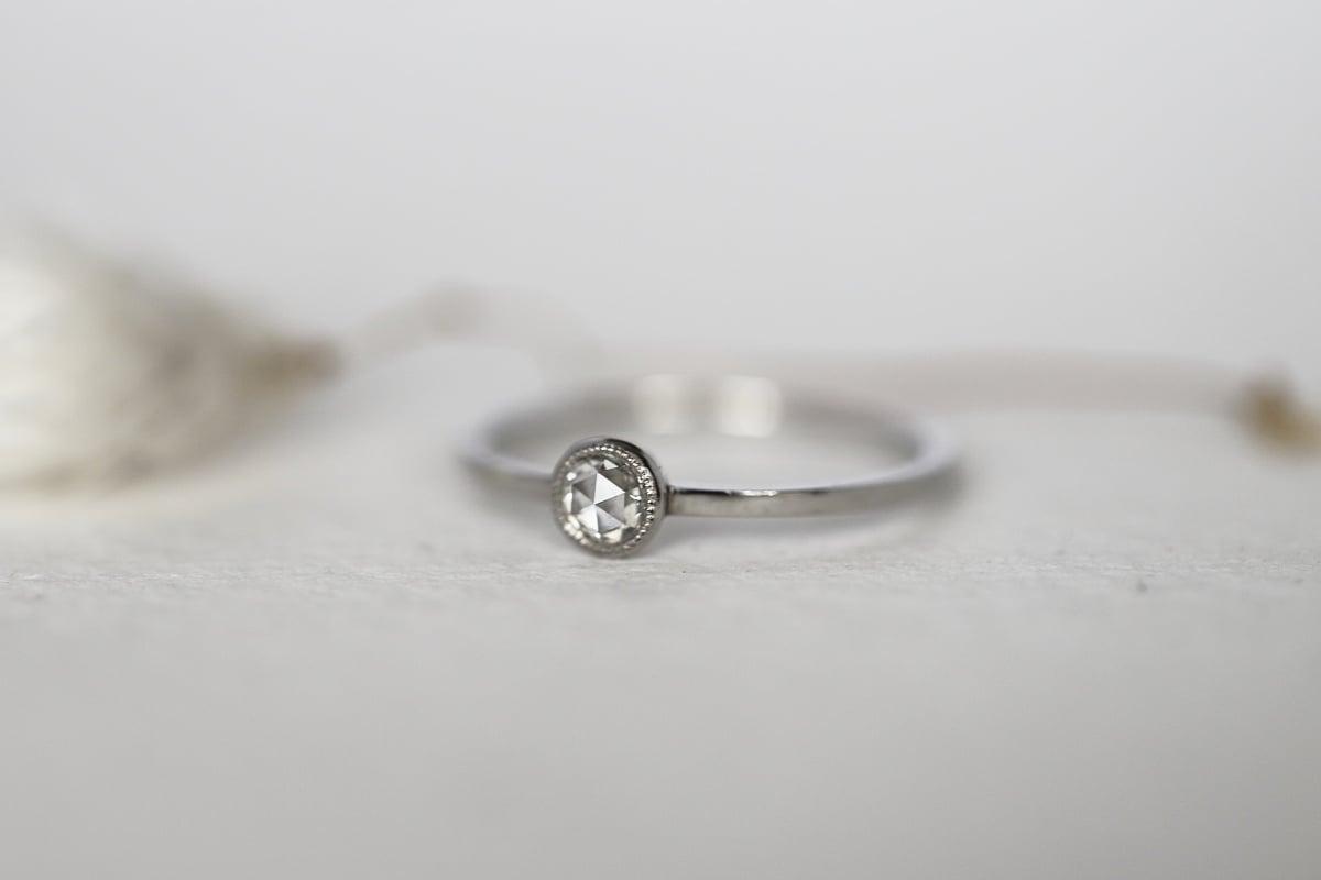 Image of Platinum 3mm rose-cut diamond ring (IOW182)
