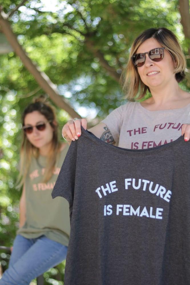 Image of Samarreta màniga curta FUTURE IS FEMALE caqui