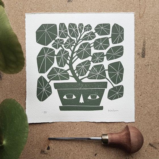 Image of Originalt linosnitt - round plant av Anine Hansen