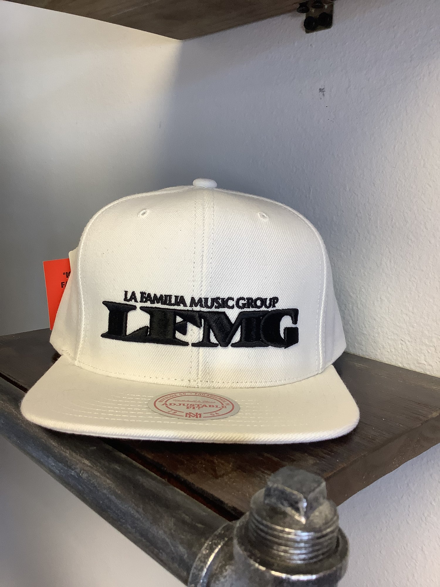 """Image of LFMG Mitchell & Ness """"White"""""""