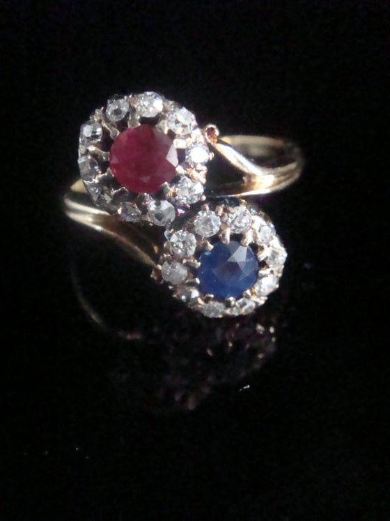 Image of EDWARDIAN 18CT YELLOW GOLD SAPPHIRE RUBY OLD CUT DIAMOND TOI ET MOI CLUSTER RING