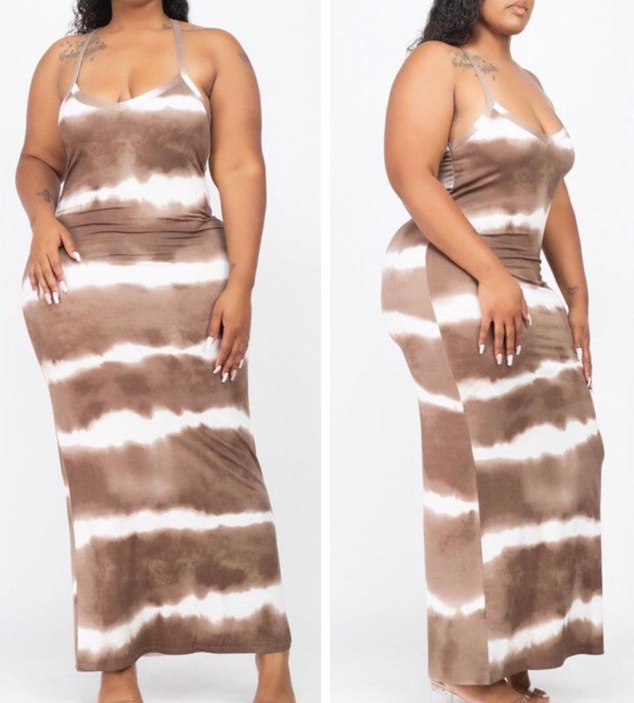 Image of #1099 BROWN PLUS SIZE TYE DYE BODYCON MAXI DRESS