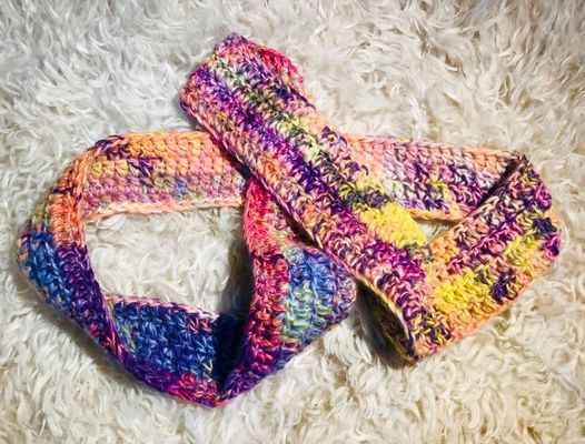 Image of Crocheted Pastel Cowl