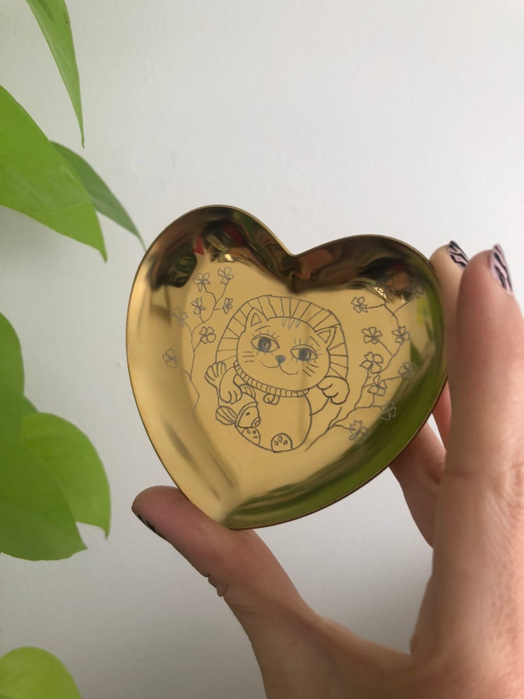 Image of LUCKY CAT HAND ENGRAVED TRINKET DISH